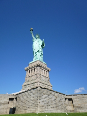 statue-liberte-den-bas