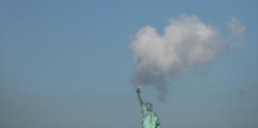 statue-liberte-fumee